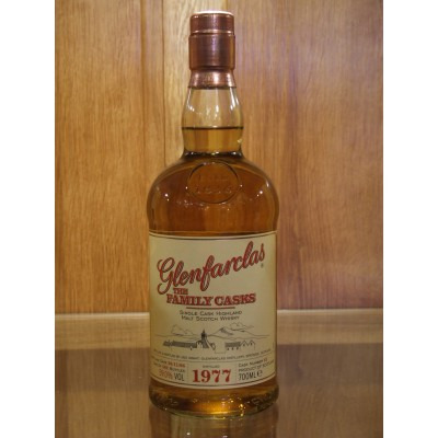 ����������� ������������� (single malt) ����� ����������� 1977 ���������� �������� Glenfarclas 1977 Gift box