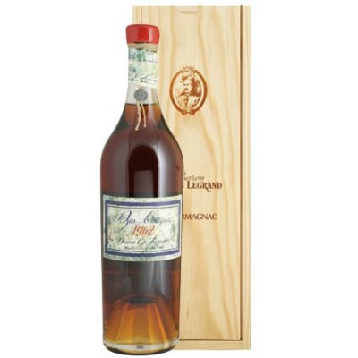 Французский арманьяк Ба Арманьяк 1962 Деревянный ящик Bas Armagnac 1962 Wooden box