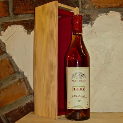 Французский арманьяк Манибан Ба Арманьяк 1962 Деревянный ящик Maniban Bas Armagnac 1962 Wooden Box
